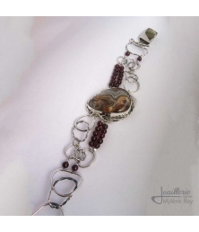 Braslet with lace agate and garnet balls by Jewelery signed Mylene Roy