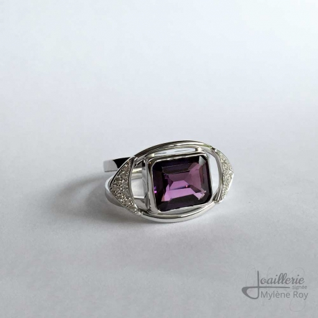 Ring with amethyst and zircons by Jewelery signed Mylene Roy