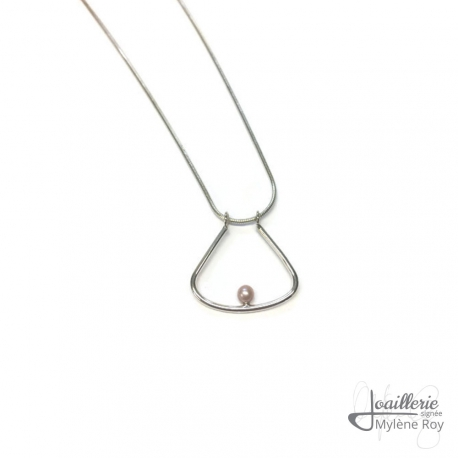 Pendant with pearls by Jewelery signed Mylene Roy